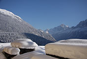 Maison Jaune has a spectacular sunny location in Chamonix valley